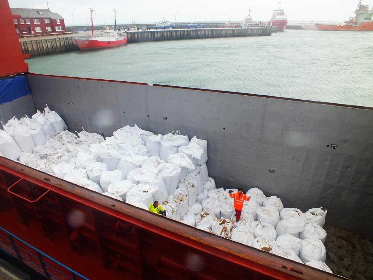Anlieferung der bereits gefüllten Bigpacks