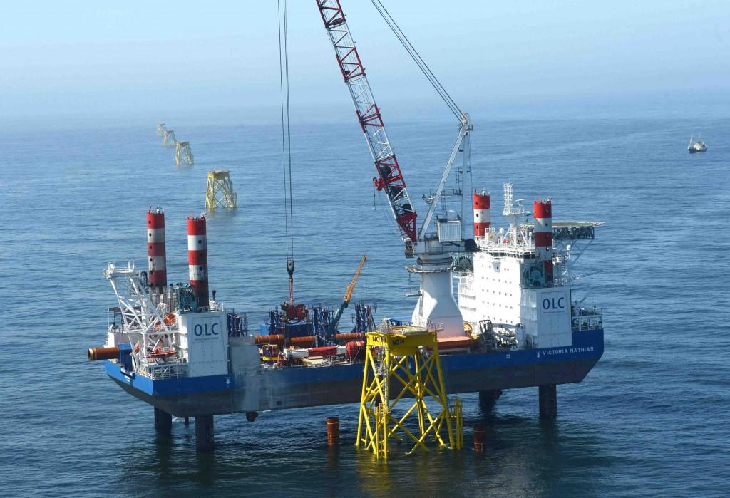 Installtion der Fundamente für den Windpark Nordsee Ost